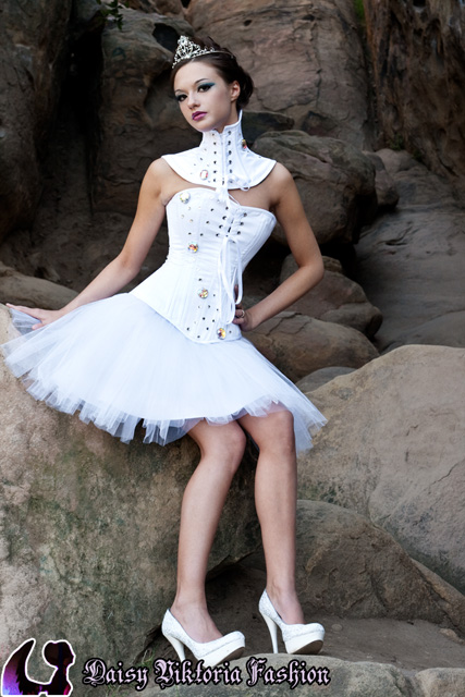 bfd51ebaff1 Short Tulle Corseted Bridal Gown - Daisy Viktoria