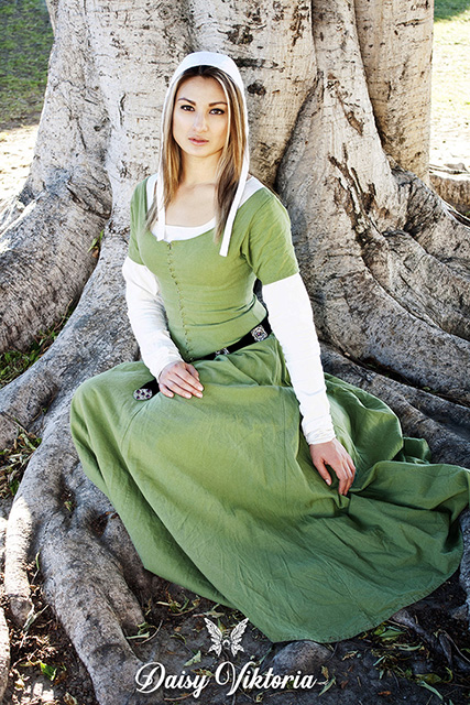 Medieval Cotehardie Kirtle Gothic Fitted Gown